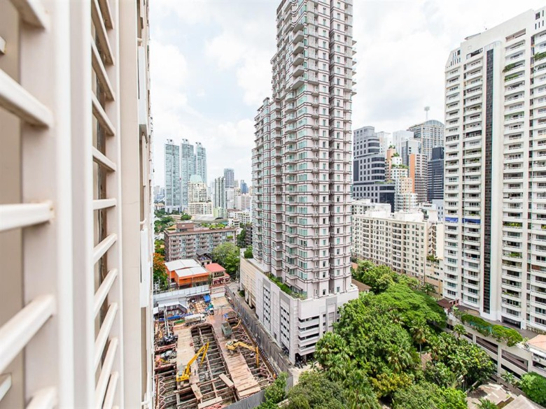 Propfit Agency's 2 Br Condo at Condo One X Sukhumvit 26 21