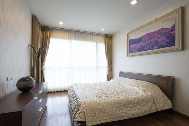 Propfit Agency's 1 Br Condo at The Address Chidlom 10