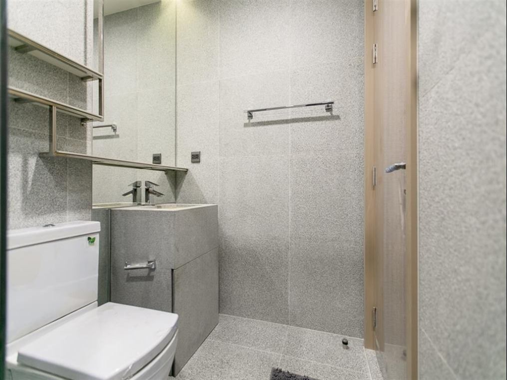 Propfit Agency's 2 Br Condo at The LINE Ratchathewi 14
