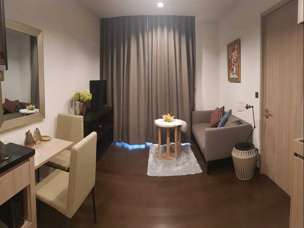 Propfit Agency's 1 Br Condo at The LINE Ratchathewi 3