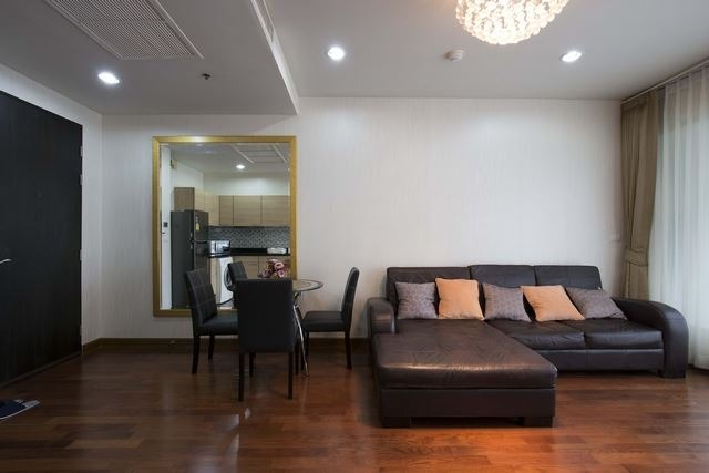 Propfit Agency's 1 Br Condo at The Address Chidlom 2