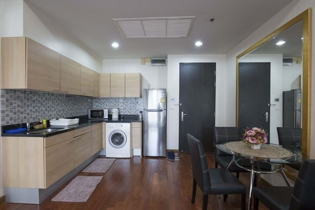 Propfit Agency's 1 Br Condo at The Address Chidlom 7
