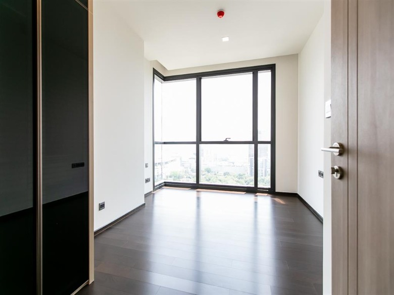Propfit Agency's 2 Br Condo at The LINE Ratchathewi 10