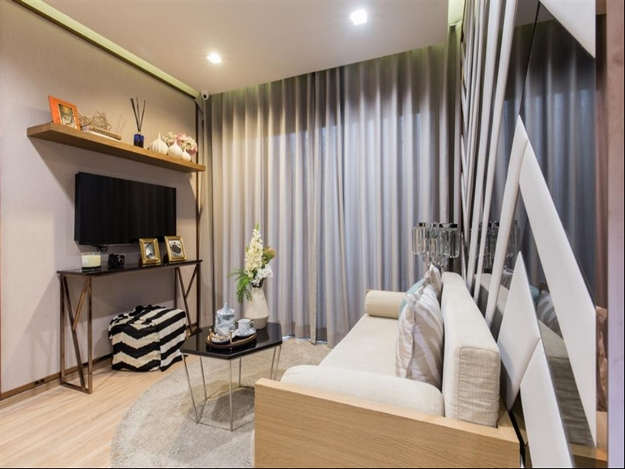 Propfit Agency's 2 Br Condo at The Base Garden Rama 9 3